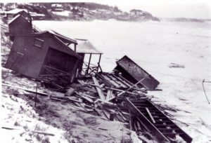 Pictures-of-the-Wrecking-of-Singing-by-the-Big-Storms-of-1931-038